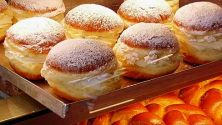 Vienna: Krapfen Pastries and Carnival