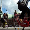 Paris: New bike program pedals past US tourists