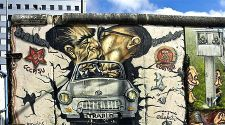 Berlin Graffiti: Street art guide, with walking tour