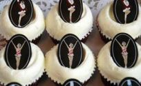 "New York: Buy a cupcake and save on ""Radio City Christmas Spectacular"" tickets"