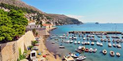 Dubrovnik Budget Tips: Hotel reservations, ferries, and neighborhoods