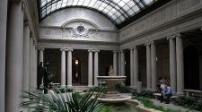 New York: Free museum admission for every day of the week