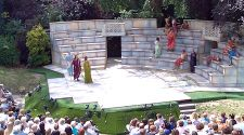 London: Open-air theater with cheap (or free) seats