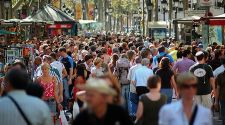 Barcelona: 6 ways to avoid crowds during high season