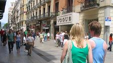Barcelona's Summer Sales: Tips on how to save
