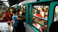 Paris: 10 Tips for Riding the Metro Like a Local
