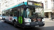 Paris: 7 public buses that are great for cheapo sightseeing
