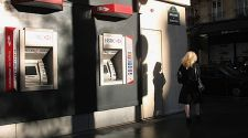 How to Avoid ATM Fees While Traveling in Paris