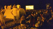Free cinema by the sea in Barcelona