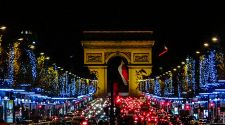 Paris: 6 ways to celebrate the holidays (without blowing your budget)