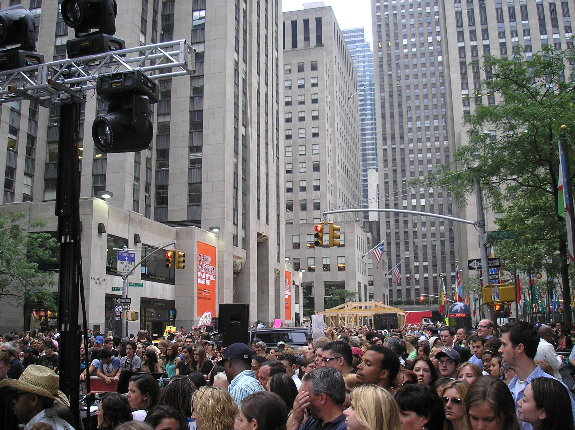 Coldplay fans at 30 Rock.