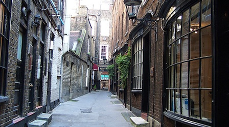 An alley off Charing Cross Road. Photo by Andwar