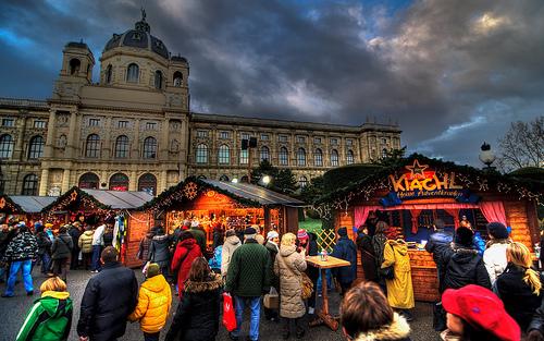 Christmas market at Maria Theresien Platz by 12 degrees C