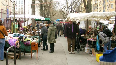 Paris Shopping: Tips for flea market success | EuroCheapo