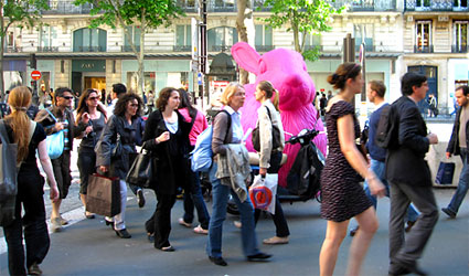 The bustling Boulevard Haussmann. Photos by Theadora Brack.