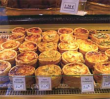 So many quiches. So little thyme. Photo by Yisris.