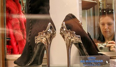 Steel heels for Roman ladies; Photo by alibaster