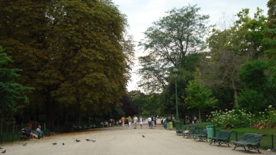 Parc Monceau. Photos by Liz Webber.