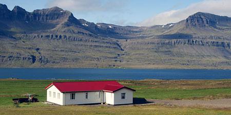 Nature galore in Iceland's wilderness. Photos © hidden europe.