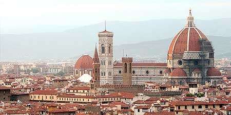 A view of the Duomo from the Piazza Michelangelo. Photo by Foraggio Fotographic.
