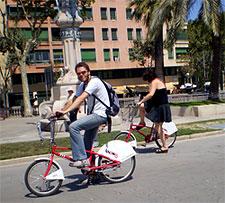 Biking Barcelona. Photo by Silatix.