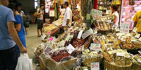 The food on offer at Mercato Centrale. Photo by bongo vongo.
