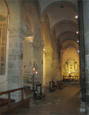 Inside the Chiesa di Santi Apostoli.