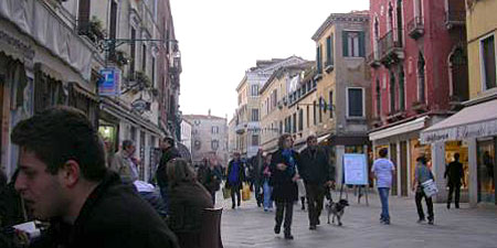 The Strada Nuova in Venice. Photos by Monica Cesarato.