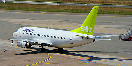 An Air Baltic flight ready for takeoff from Hamburg. Photo: Datenhamster