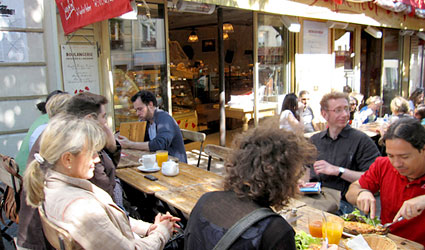 Paris: 6 favorite cheap restaurants in the Abbesses neighborhood ...