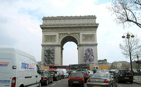 Approaching the Arc de Triomphe. Photos by Theadora Brack