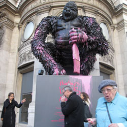 King Kong at Printemps