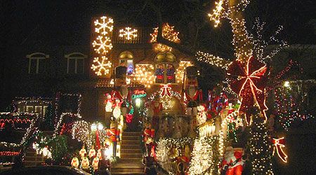 New York The Christmas Lights Of Dyker Heights Eurocheapo