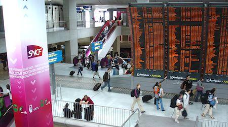 Charles de Gaulle train terminal