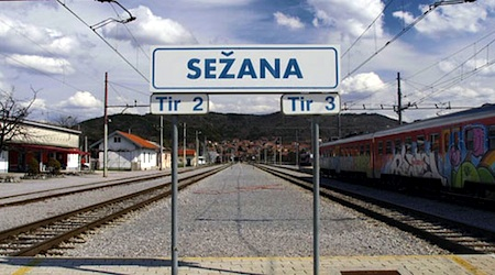 Sezana, Slovenia train station