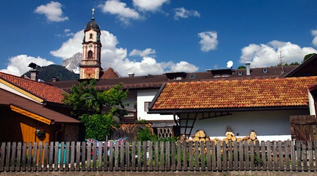 Church and houses in the Bavarian town of Mittenwald. Photos ©hidden europe magazine