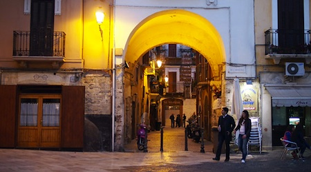 Wandering and wondering in Bari, Italy. Photo © hidden europe