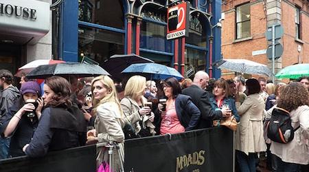 Dubliner's drink to Arthur's Day even in the rain. Photo: Nerosunero
