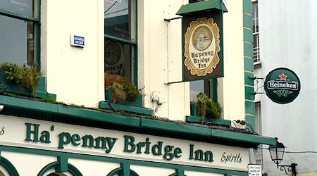 The Capital Comedy Club takes place in the upstairs of the Ha'Penny Bridge Inn. Photo: Jeffc5000
