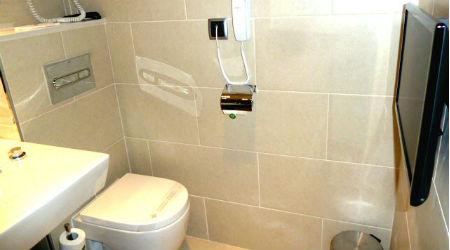 Bathroom Hotel Lleo