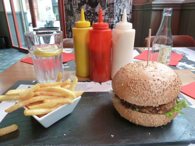 Eating Burgers at Apolo Diner in Barcelona, Spain