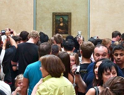 Louvre tourists summer