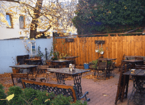 Sir Toby's Hostel garden