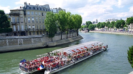 paris river cruises which bateaux mouches is the best deal eurocheapo. Black Bedroom Furniture Sets. Home Design Ideas