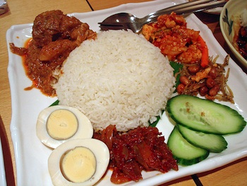 Lunch at Rasa Sayang. Photo: su-lin