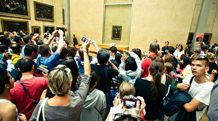 Louvre crowds