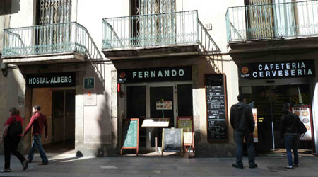 Cheapo barcelona tip book a hotel in the city center to for Hotel regina barcelona booking