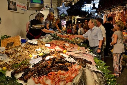 Barcelona local tips for visiting la boqueria market for La fish market