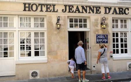 paris best budget hotels for families eurocheapo