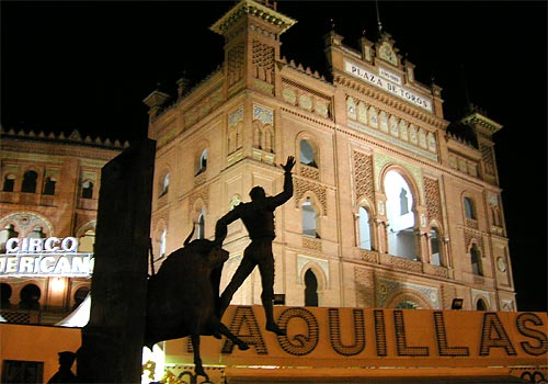 Madrids Monuments at Night: A photographic tour  EuroCheapo